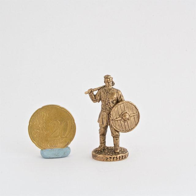 40mm Ragnar Lodbrok Vikings brass miniature figure front shield