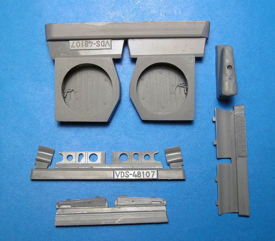 1/48 P-40E/N wheel wells with canvas (Hasegawa) Vector Resin #VDS48-107