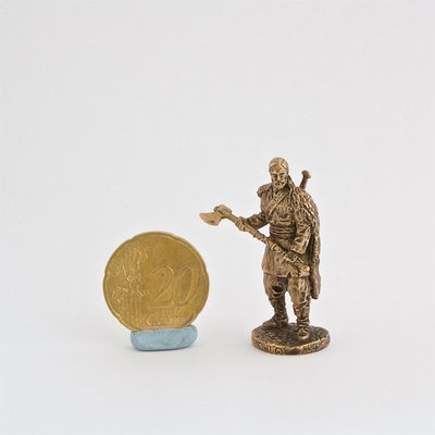 40mm Rollo with Axe Vikings brass metal miniature