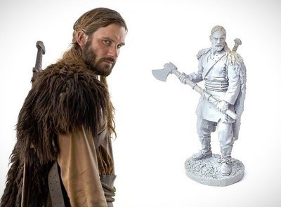 40mm Rollo with Axe Vikings metal miniature
