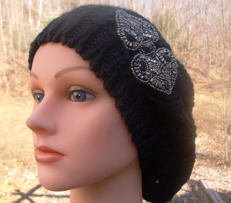 Chic beret black beanie