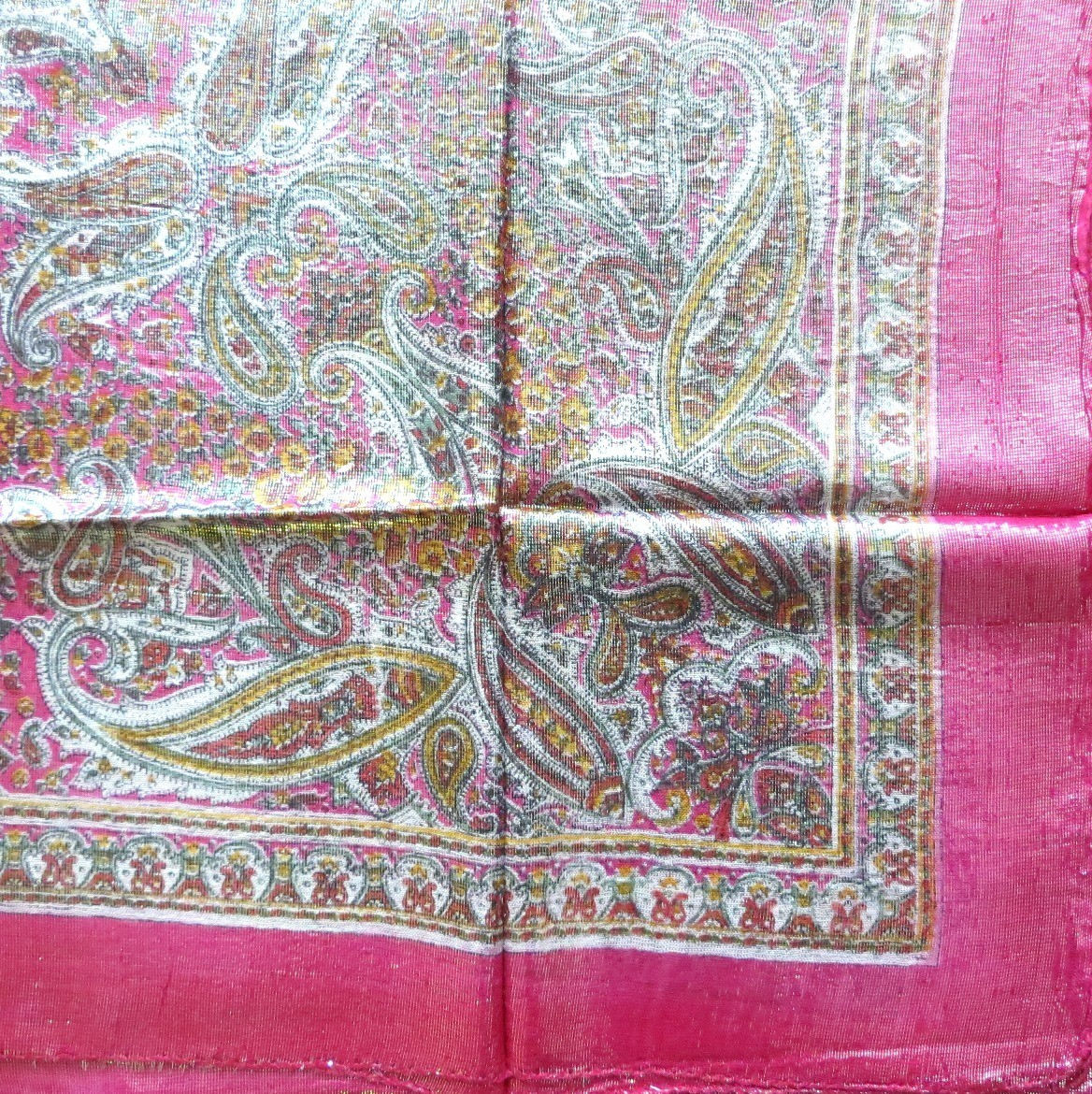 Paisley pink shimmering headscarve