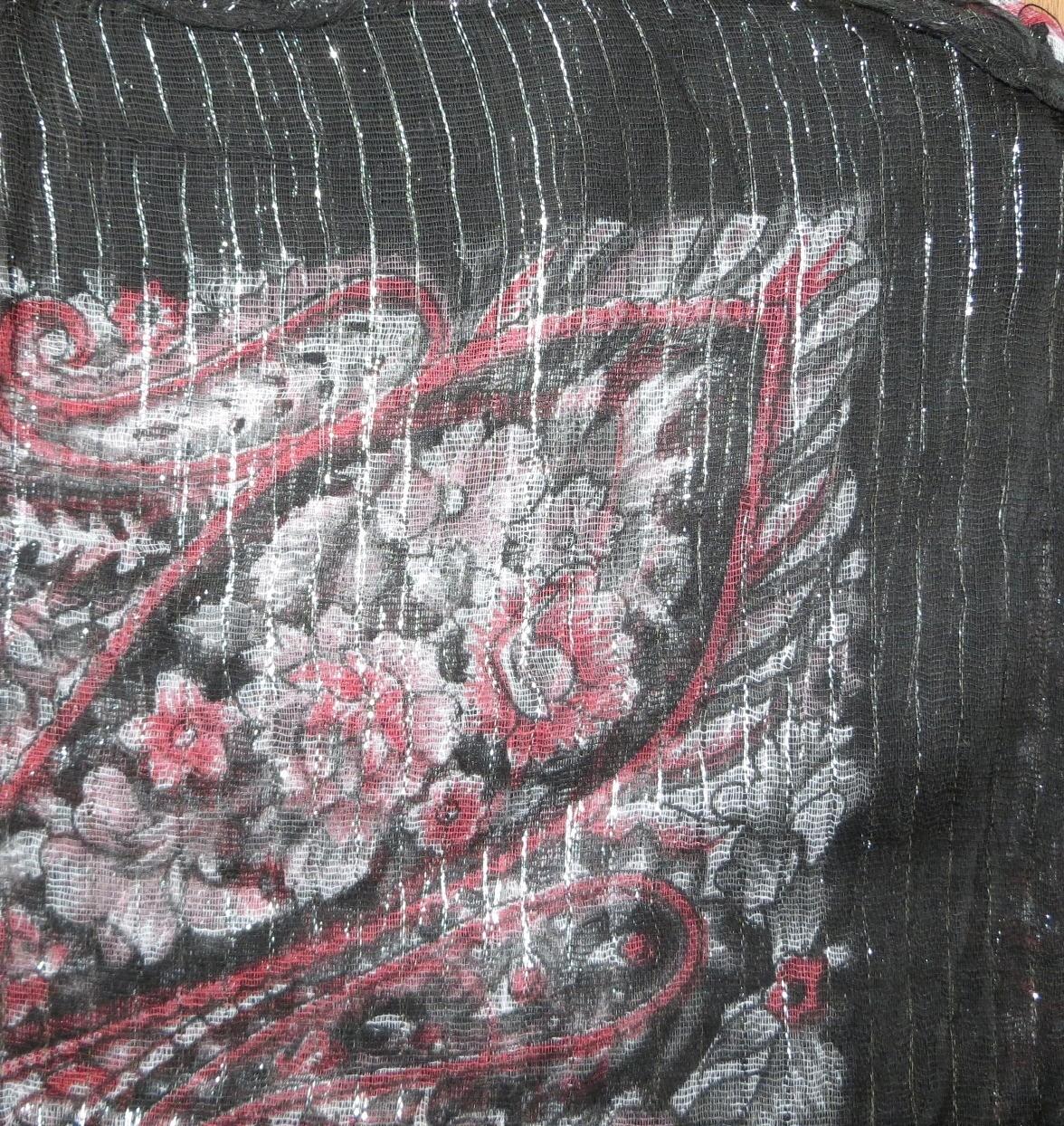 Black with pattern lurex tichel