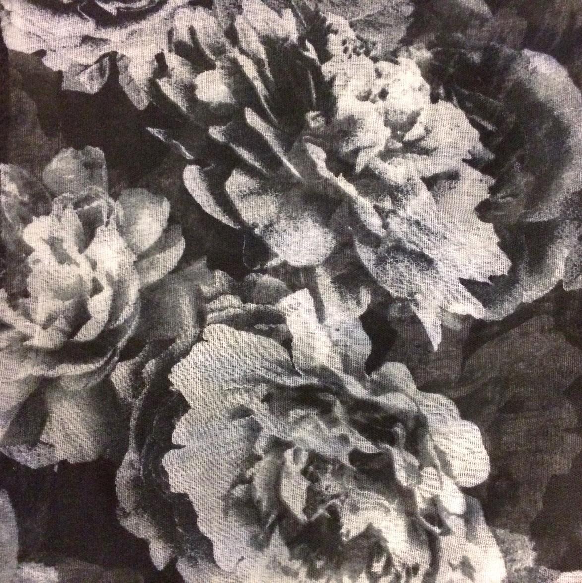 Fall big flowers black tichel