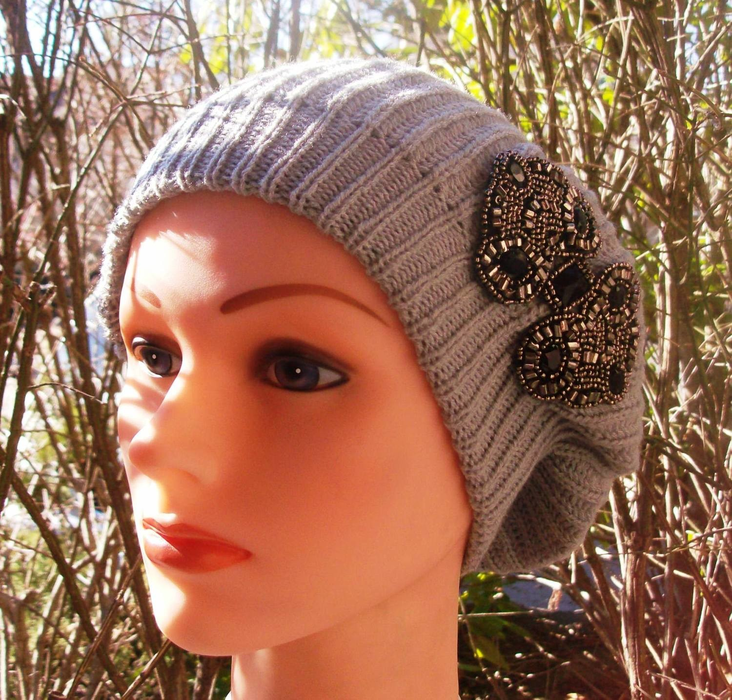 Chic beret light gray