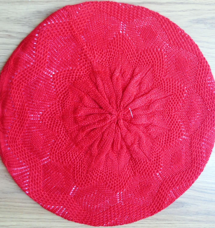 Super lightweight beret red