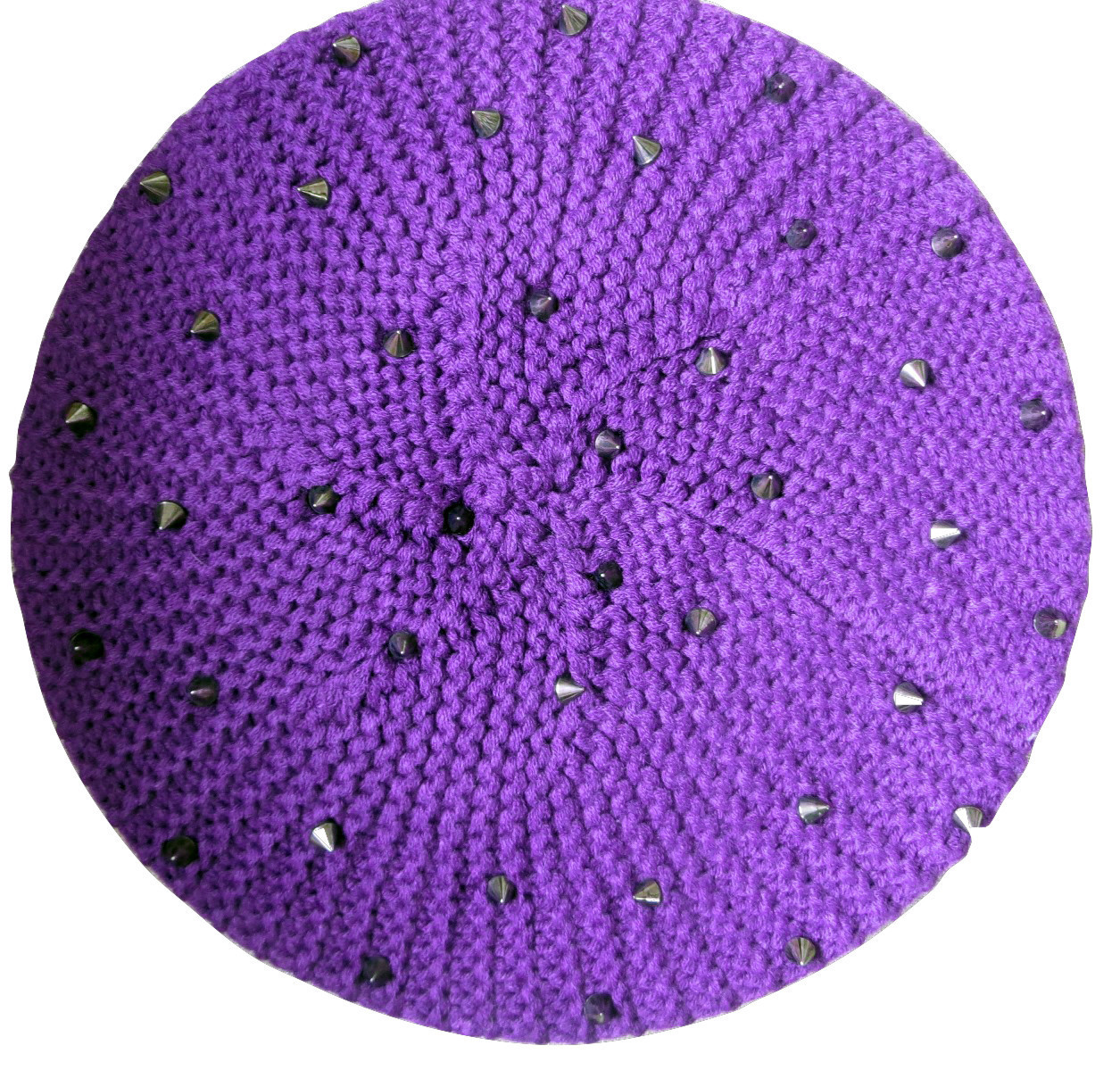 Purple beret with spikes