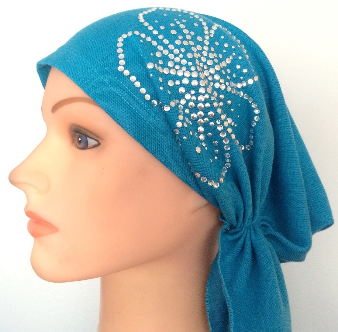 Beautiful blue pre-tied tichel with applique