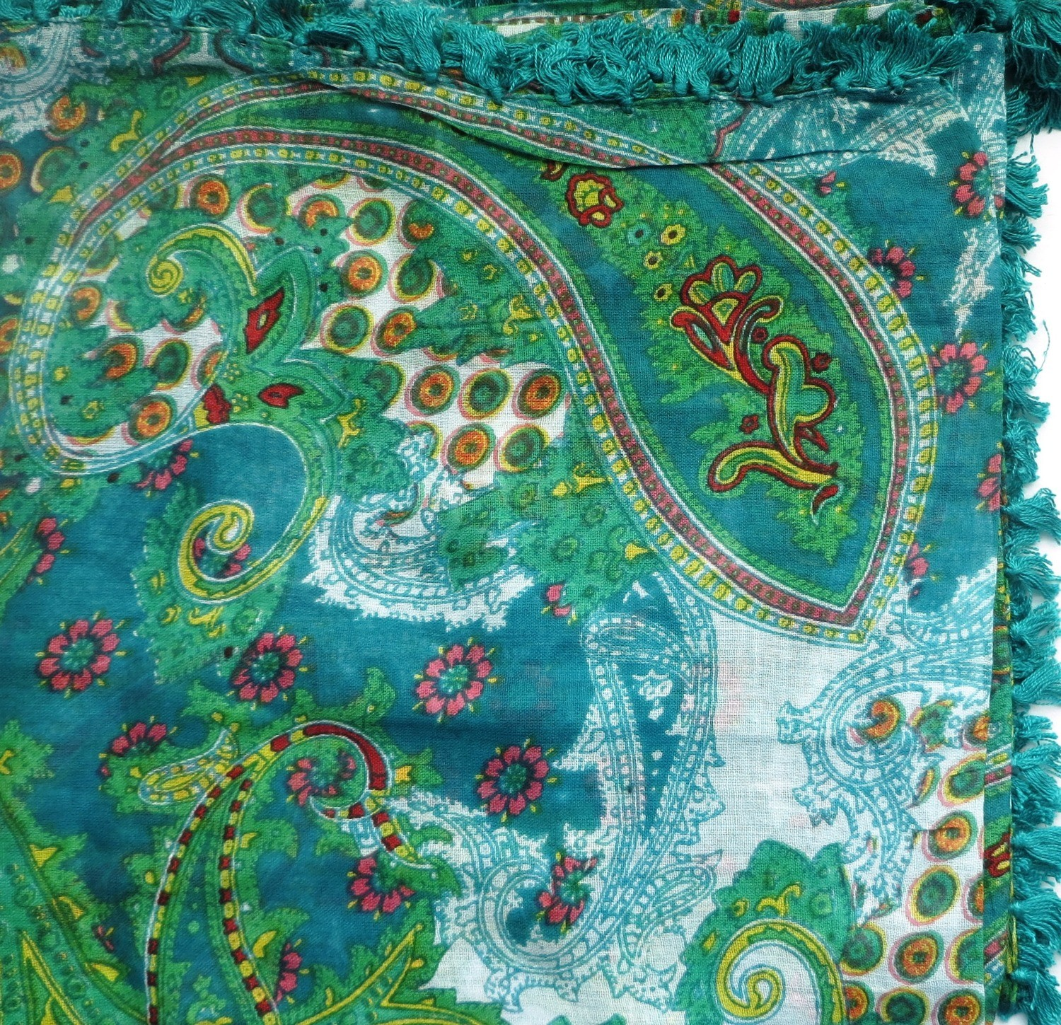 Green with paisley pattern tichel headscarve