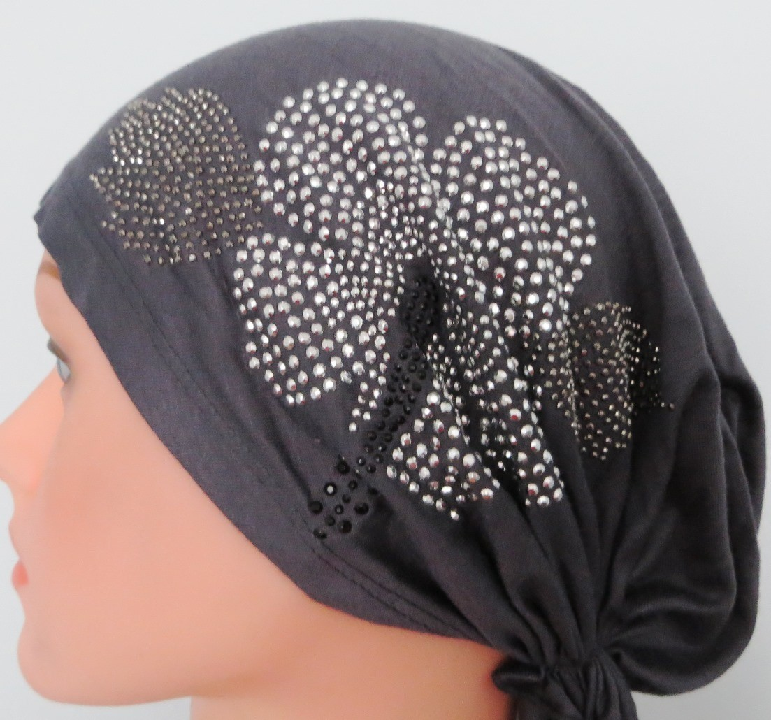 Charcoal gray pre-tied tichel with large applique