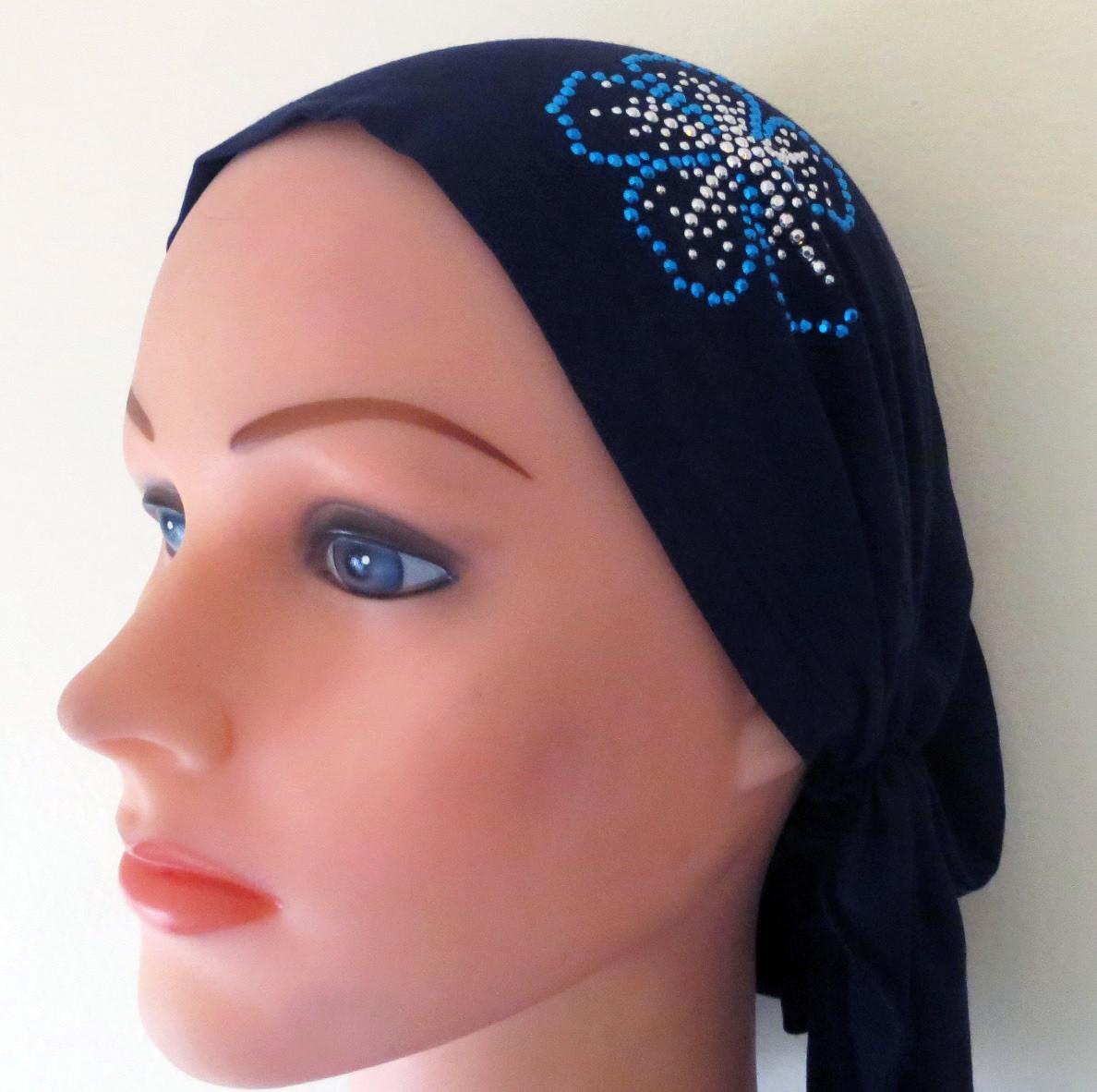 Blue pre tied tichel with applique