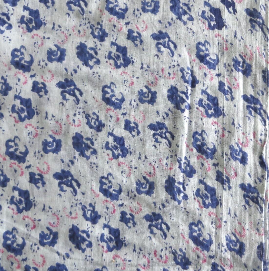 Blue & white splatter print tichel