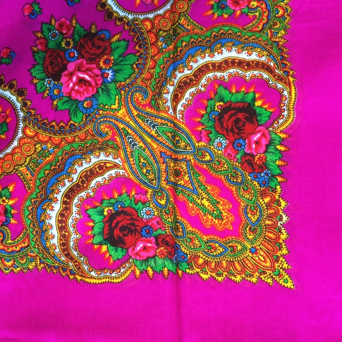 Bright fuchsia vintage tichel with paisley pattern