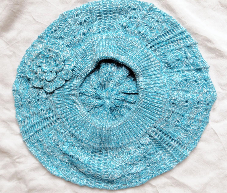 Beach blue summer beret with flower