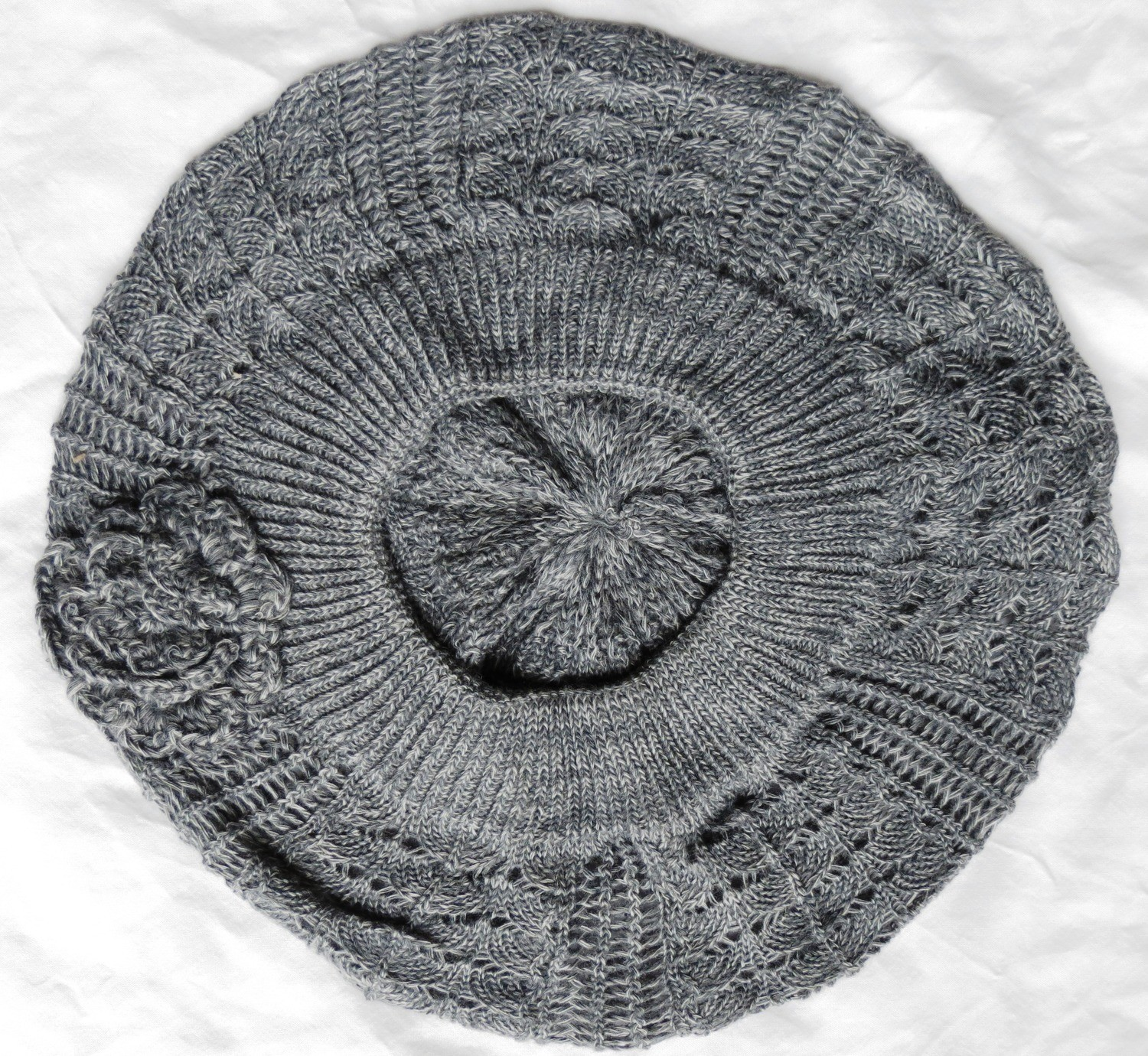 Gray summer beret with side flower