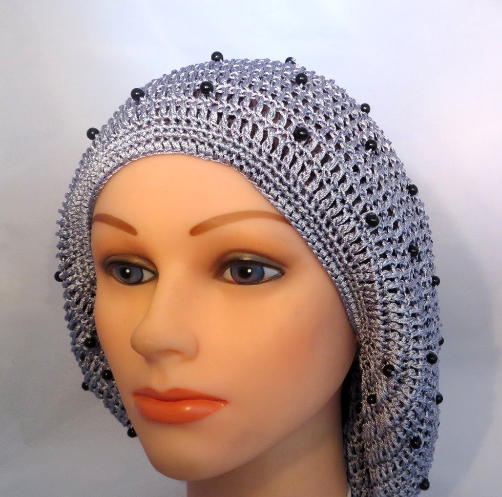 Silver buttons snood
