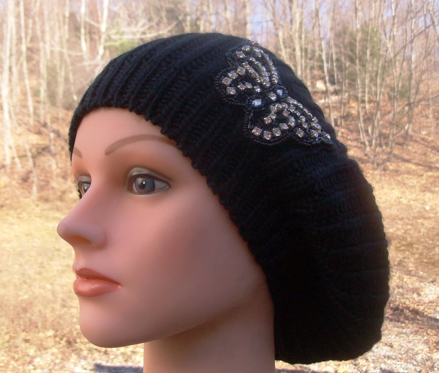 Chic beret black with butterfly