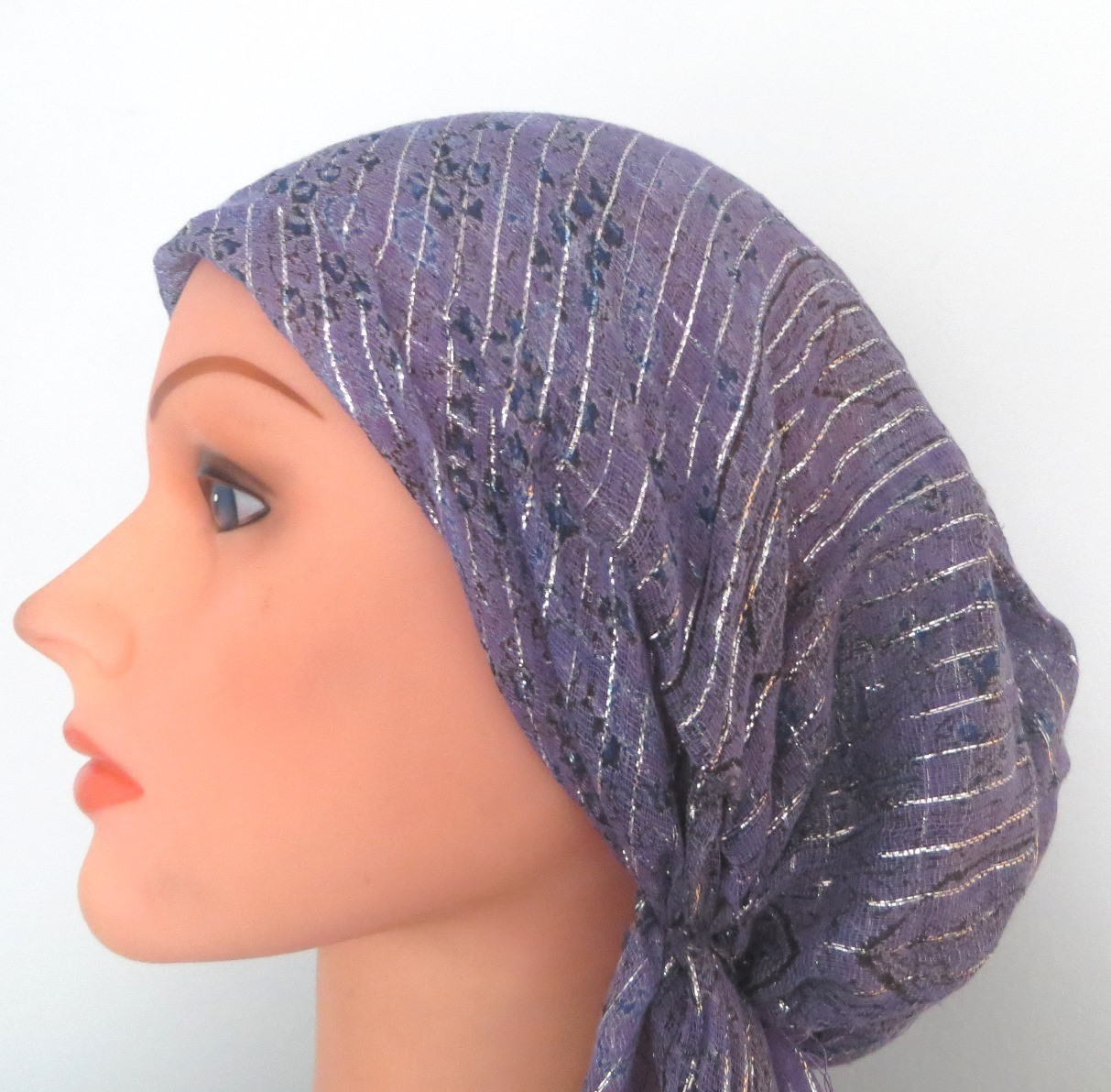 Light purple with pattern lurex pre tied tichel