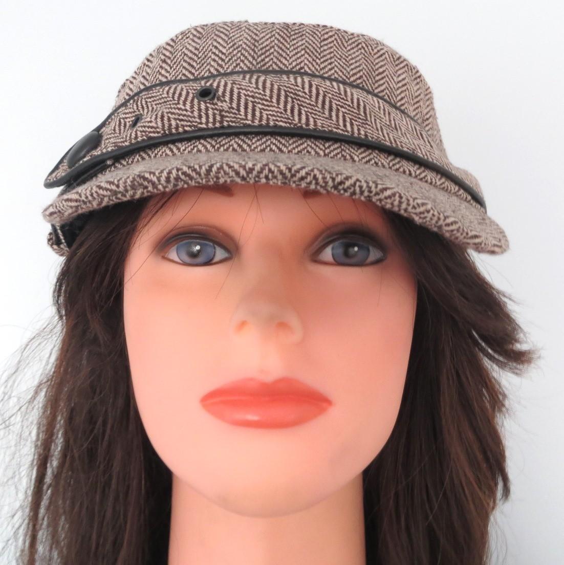 Brown herringbone cap with belt