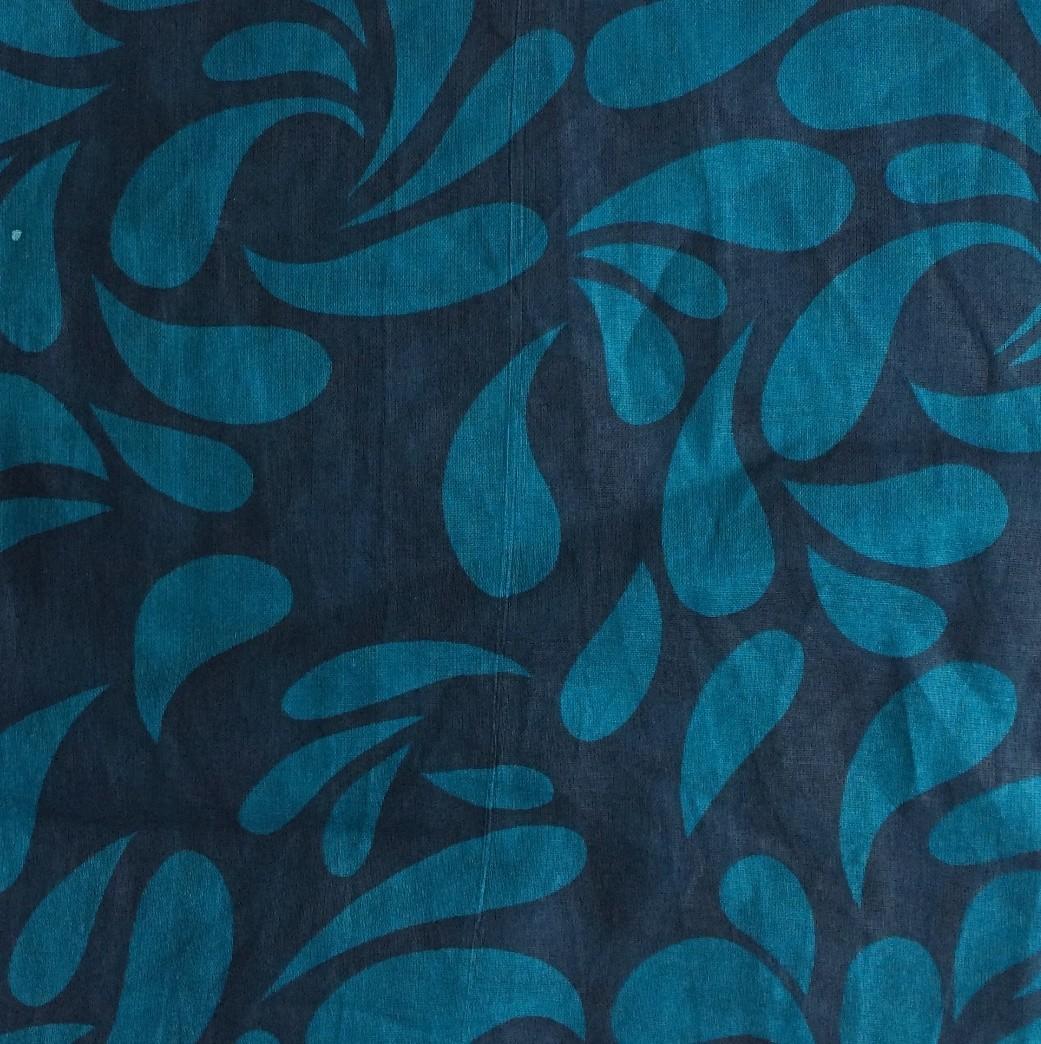 Blue tear drop patterned tichel