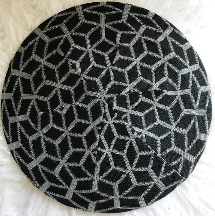 Black/gray mosaic pattern beret/snood