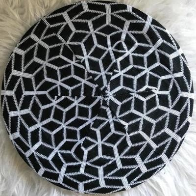 Black/white mosaic pattern beret/snood