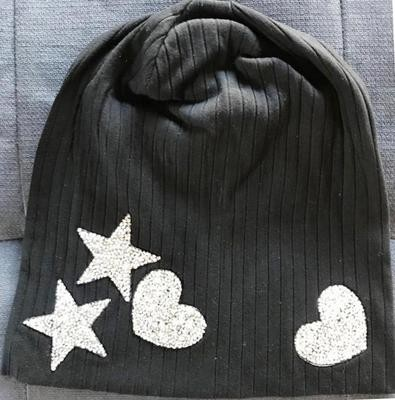 Black wide ribbed cotton beanie w/heart and stars