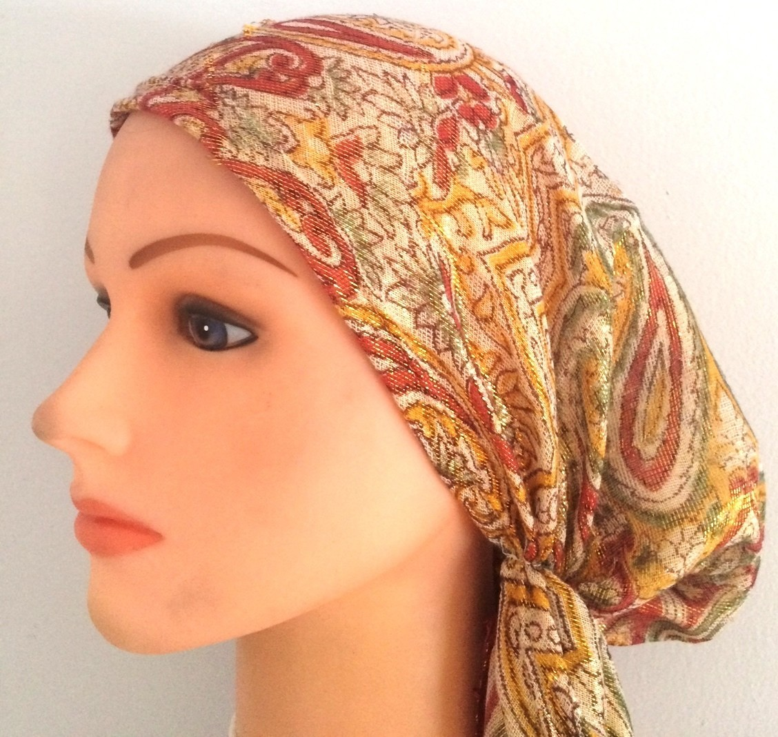 Light red paisley pattern pretied shimmer tichel