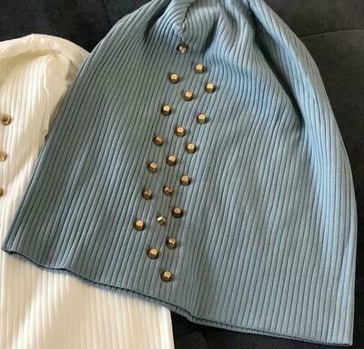 Ribbed cotton beanie w'gold metal studs - Light Sapphire Blue