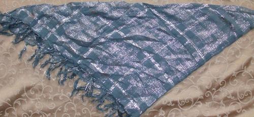 Silver triangular tichel bandana