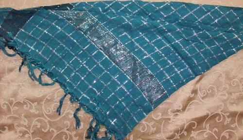 Green triangular tichel bandana