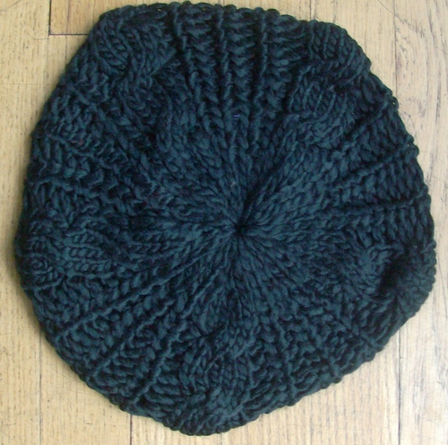 Black chunky beanie beret