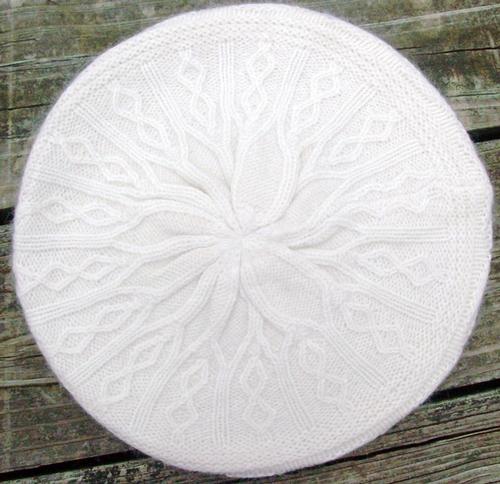 Soft knit beret cream