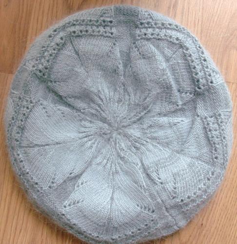 Soft knit beret gray