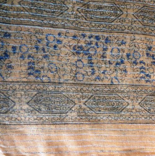 Light orange lurex tichel with blue berry flowers