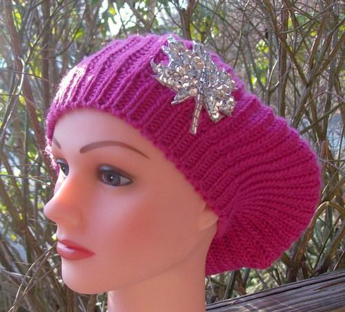 Chic beret hot pink