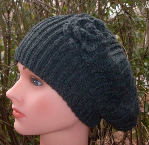 Single flower beret gray