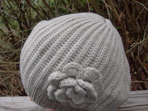 Single flower beret beige