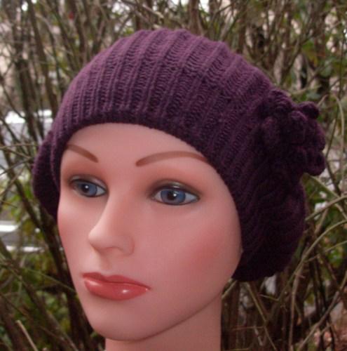 Single flower beret purple
