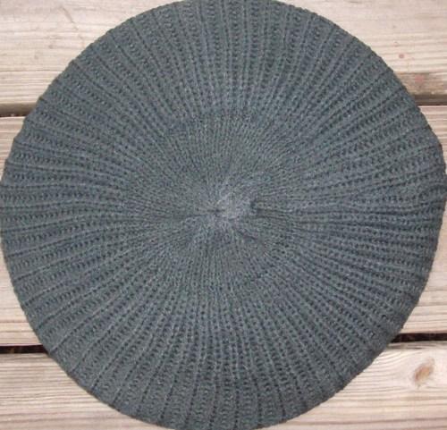 Plain beret charcoal gray