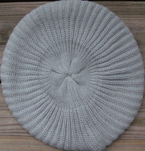Plain beret light gray
