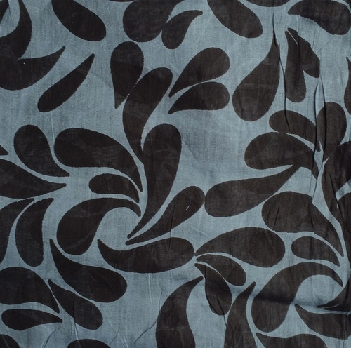 Gray and black tear drop patterned tichel