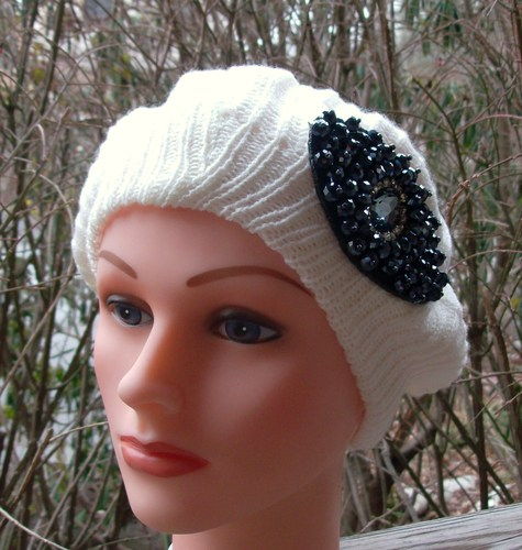 Chic beret off white