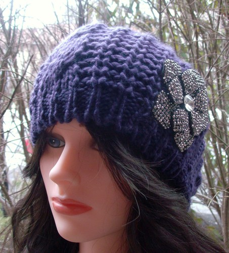 Chic beret purple