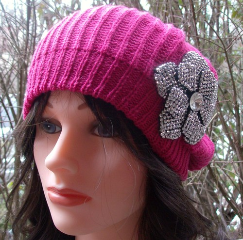Chic beret hot pink