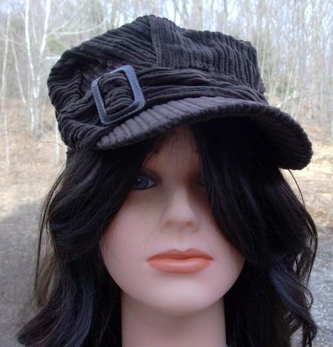 Corduroy cap brown