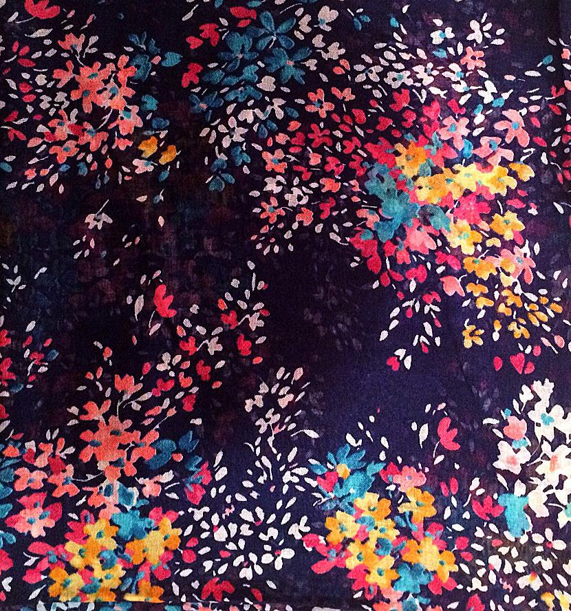 Blue splatterd floral pretty Turkish headscarve