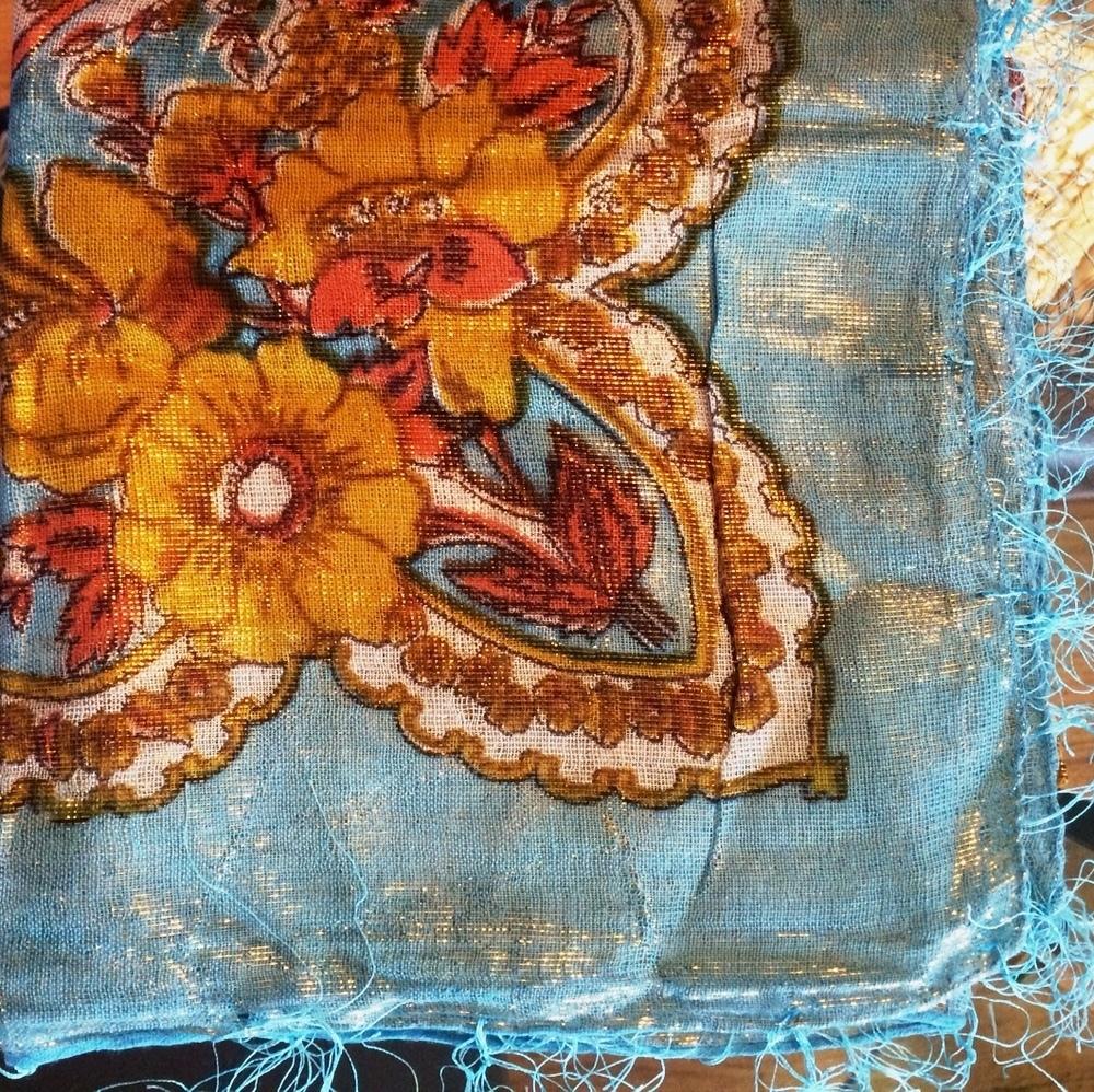 Light blue shimmer headscarve tichel