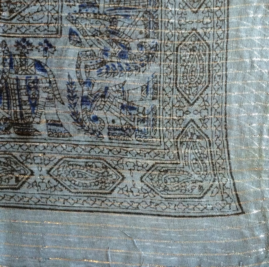 Light gray lurex tichel with blue pattern