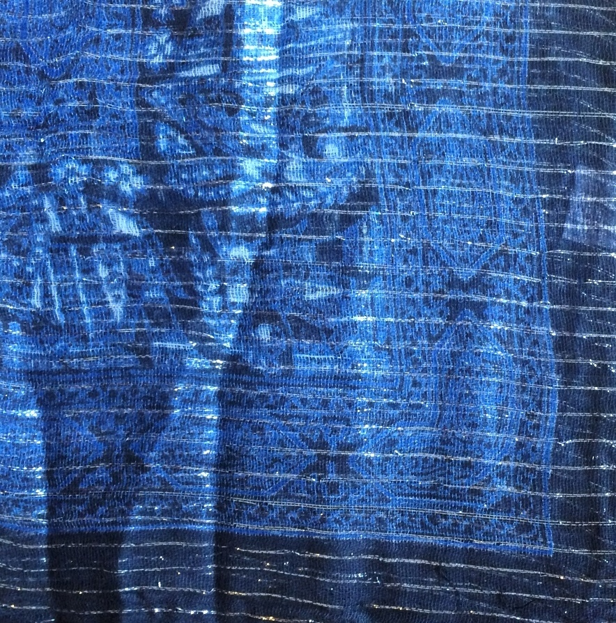 Black and blue lurex tichel with  pattern